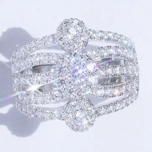 3.2Ct White Gold Diamond Charming Cluster Ring